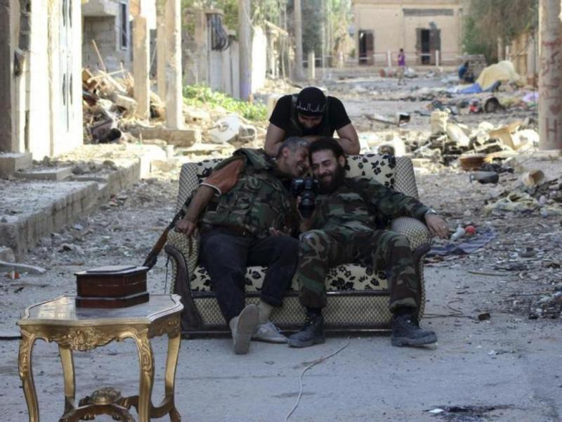 A vida dos rebeldes sírios quando não estão a combater [Reuters]
