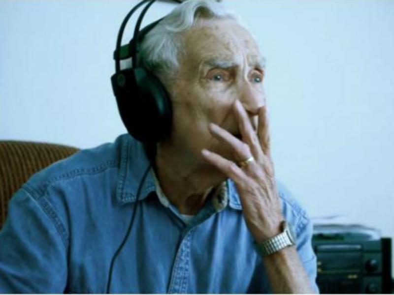 Fred Stobaugh, 96 anos, participa em concurso musical (Reprodução/Youtube)