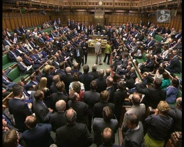 Parlamento britânico chumba intervenção na Síria