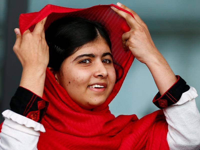 Malala Yousafzai inaugura biblioteca em Birmingham (REUTERS/Darren Staples)