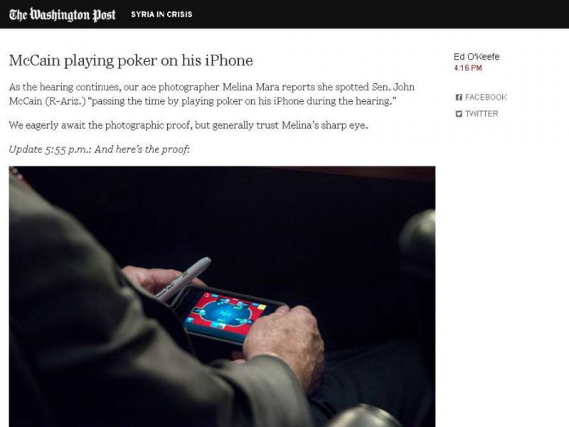 John McCain apanhado a jogar póquer (Reprodução/Washington Post)