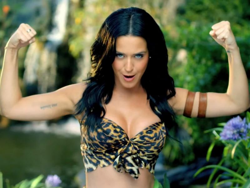 Katy Perry no vídeo do single «Roar»