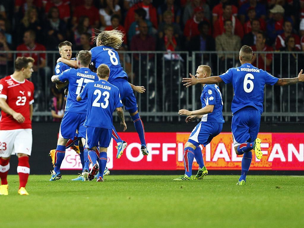 Qualificação Mundial 2014: Suiça vs Islândia (REUTERS)