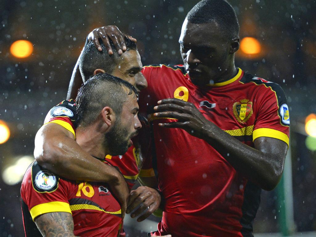 Defour marcou pela Bélgica