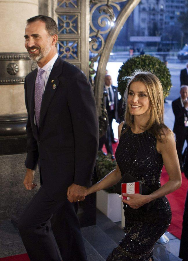 Felipe e Letizia atendem o Comité Olímpico internacional em Buenos Aires (Foto: Lusa)