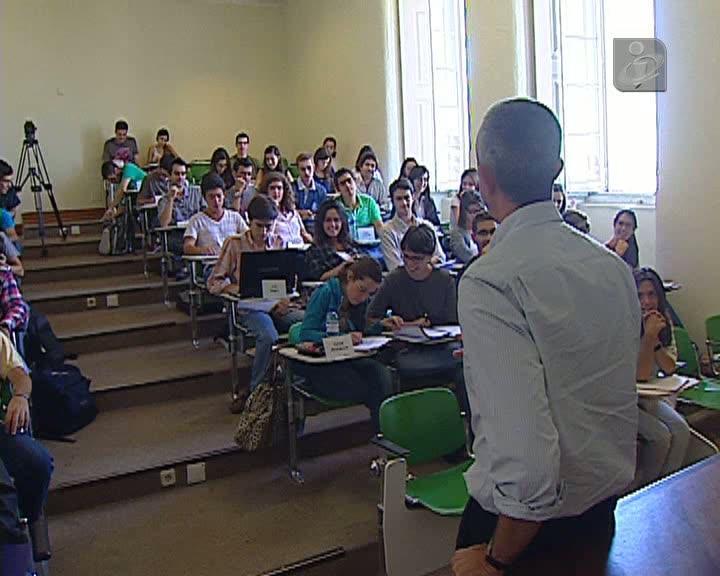 Maioria dos candidatos entrou à primeira na Universidade