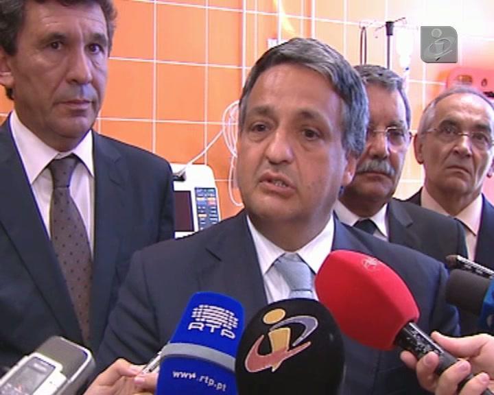 Ministro admite vantagens na exclusividade dos médicos no SNS