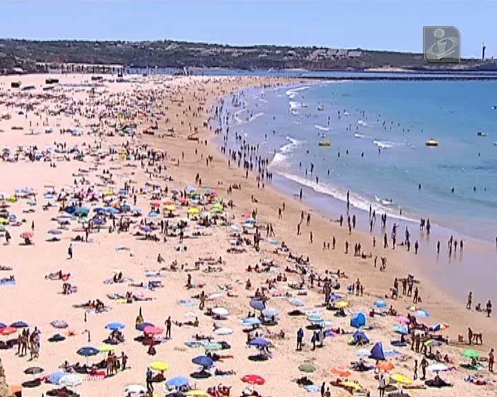 Algarve: lixo, esgotos e mosquitos para turista ver