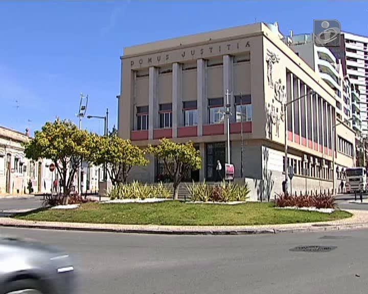 Algarve: processos atrasados devido a baixa de juíza