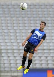 Dries Mertens da Bélgica durante uma sessão de treino no estádio Rei Balduíno, em Bruxelas (Reuters)