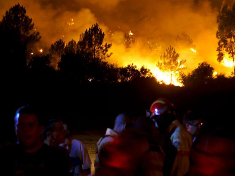 Incêndio no Outeiro (Lusa/Arménio Belo)