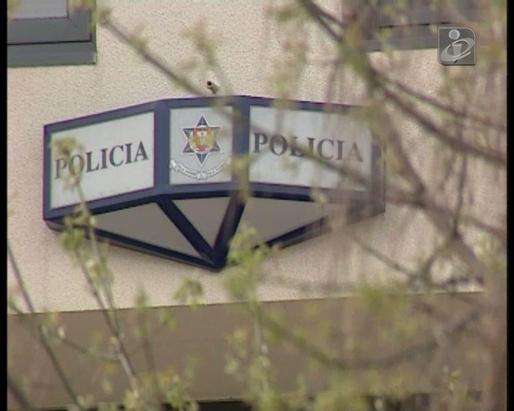 Polícia assalta casa