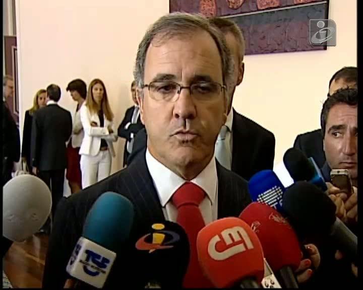 Pires de Lima volta a remeter decisão sobre IVA na restauração para OE 2014