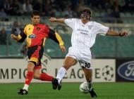 Hernan Crespo também recorreu à proteção em 2001, quando jogou após ter fraturado o nariz (Reuters)