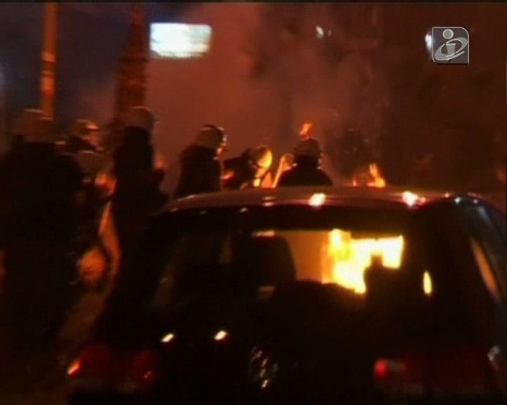 Grécia: confrontos entre polícia e manifestantes antifascistas