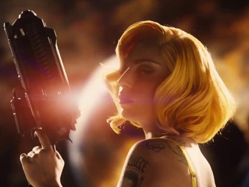 Lady Gaga em «Machete Mata»