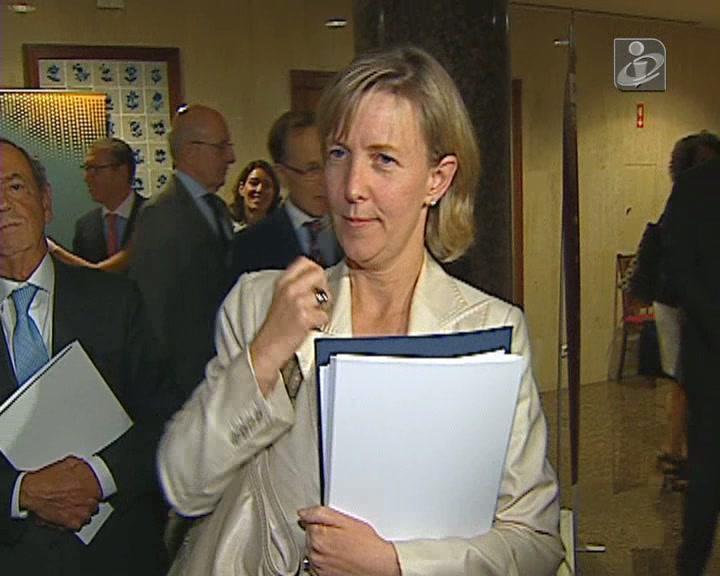 Polémica Swap: Maria Luís diz que só fala na Comissão Parlamentar de Inquérito