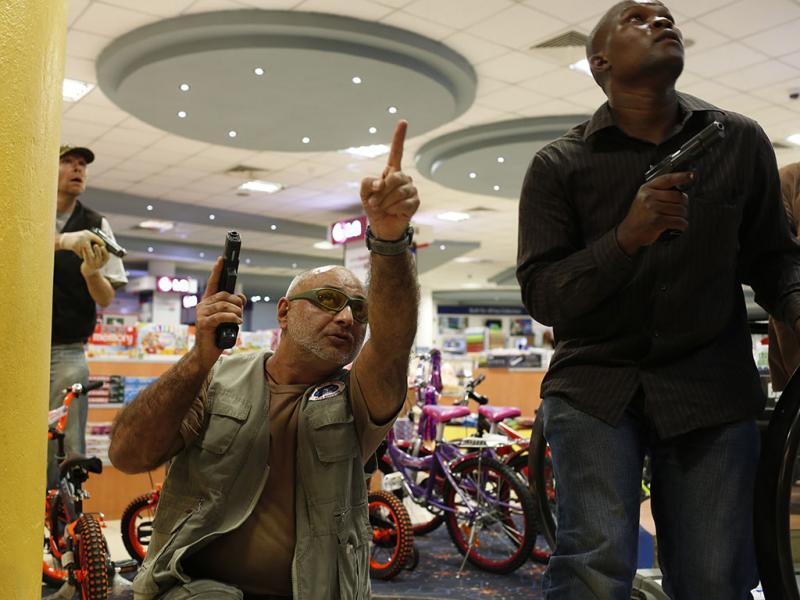 Islamistas atacam centro comercial em Nairobi, no Quénia, e matam mais de 60 reféns (Reuters)