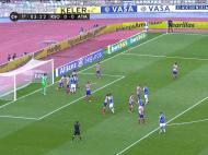 Cantos defensivos: nem aqui o Atlético facilita, colocando todos os jogadores na área. Diego Costa junto ao primeiro poste, Arda Turan ligeiramente à frente e Mario Suárez à saída da pequena área