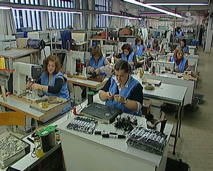 Taxa de desemprego baixa para 16,5% em agosto