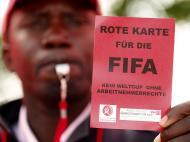Protestos de trabalhadores contra Mundial no Qatar chegam à sede da FIFA (Reuters)