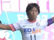 Hisato Sato (Sanfrecce Hiroshima) marca um golaço