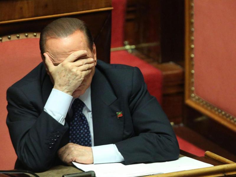 Senado italiano vota para «expulsar» Sílvio Berlusconi do Parlamento (EPA/ALESSANDRO DI MEO)