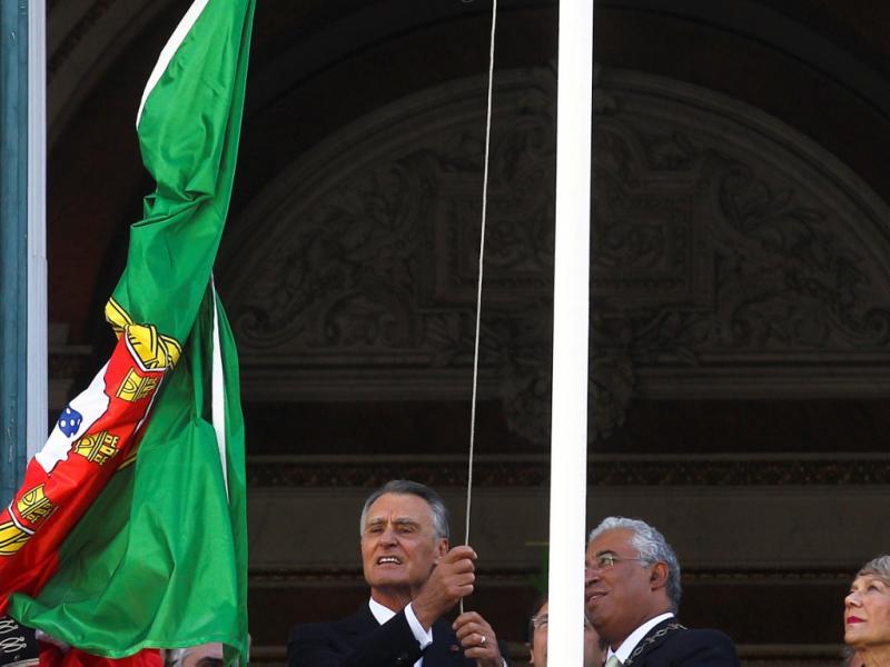 5 de Outubro: Cavaco Silva e Passos Coelho vaiados