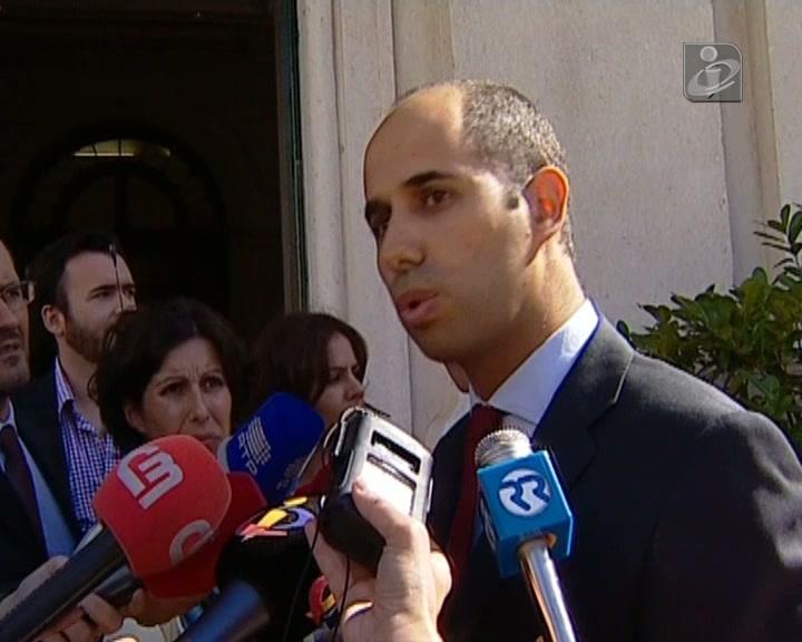 PS e Bloco insistem na demissão de Rui Machete