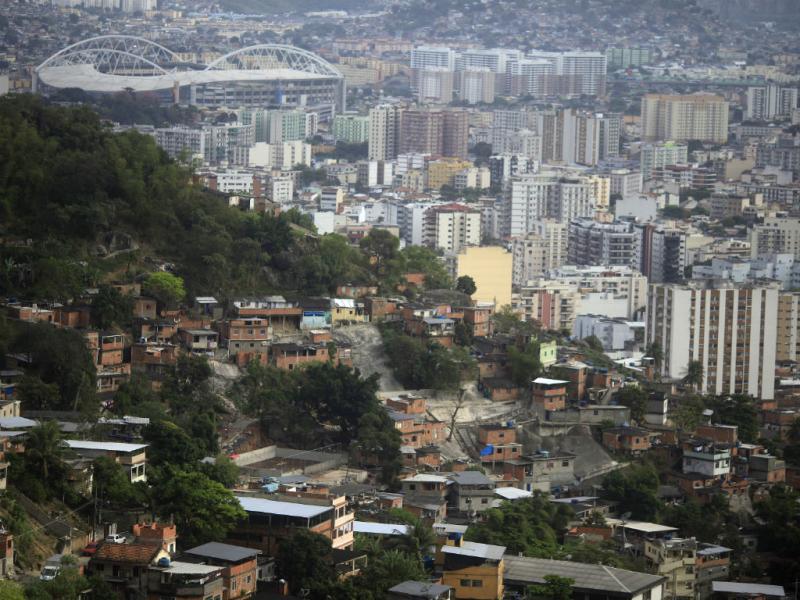 Brasil: polícia ocupa conjunto de favelas no Rio de Janeiro (Reuters)