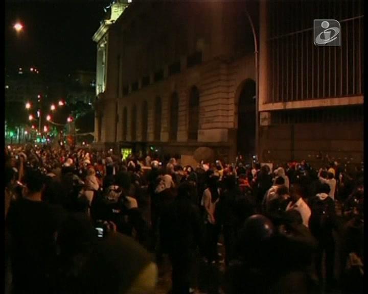 Manifestação no Rio de Janeiro acaba em confrontos