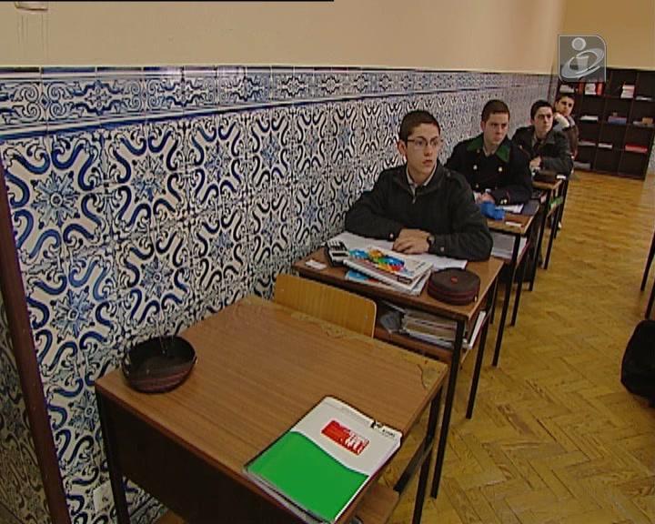 Ex-alunos do Colégio Militar começam a ser julgados por maus-tratos