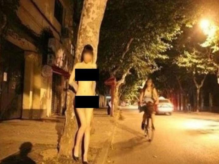 Chinesa é procurada por posar nua nas ruas da cidade (Foto Reprodução/Weibo/ethanren717)