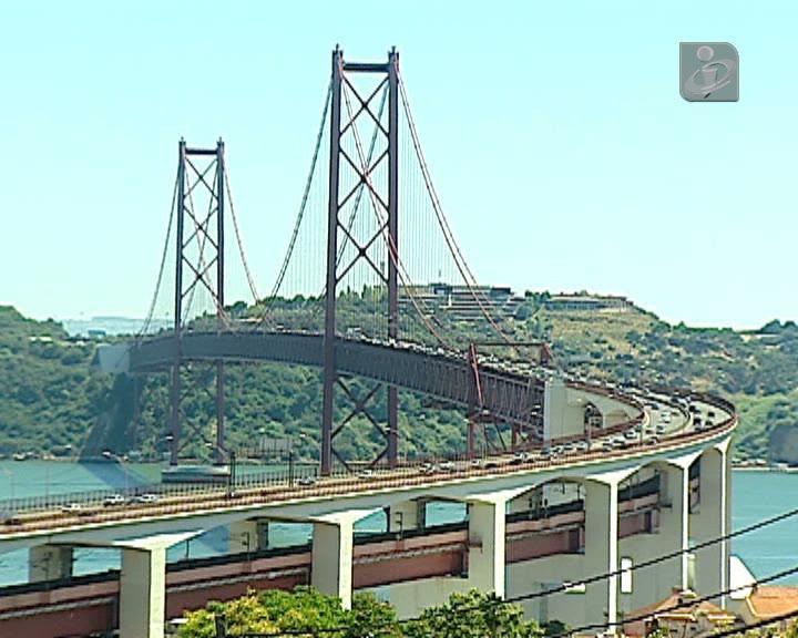 Os sete riscos de uma manifestação na ponte 25 de Abril