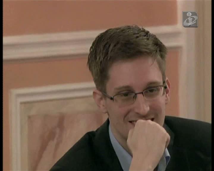 Wikileaks publica os primeiros vídeos de Snowden na Rússia