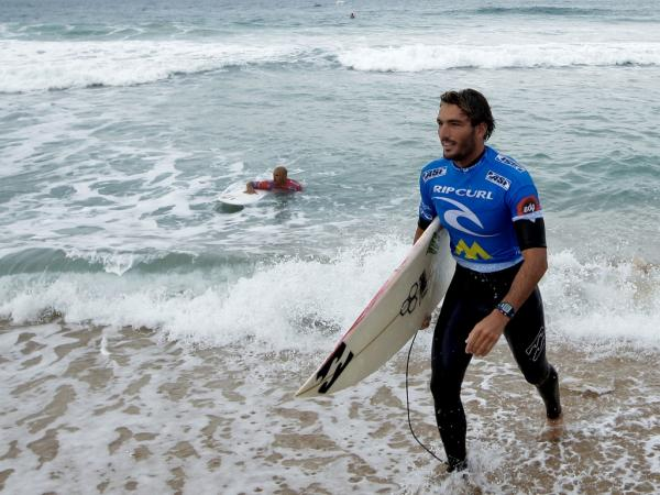 Circuito Mundial De Surf : Frederico morais nos quartos da etapa de peniche do