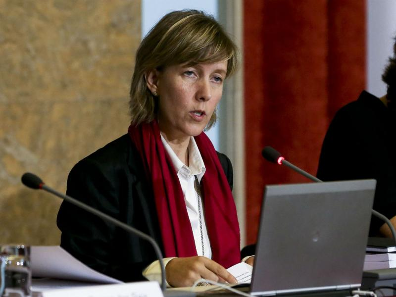 Entrega e apresentação do OE2014 (Lusa)