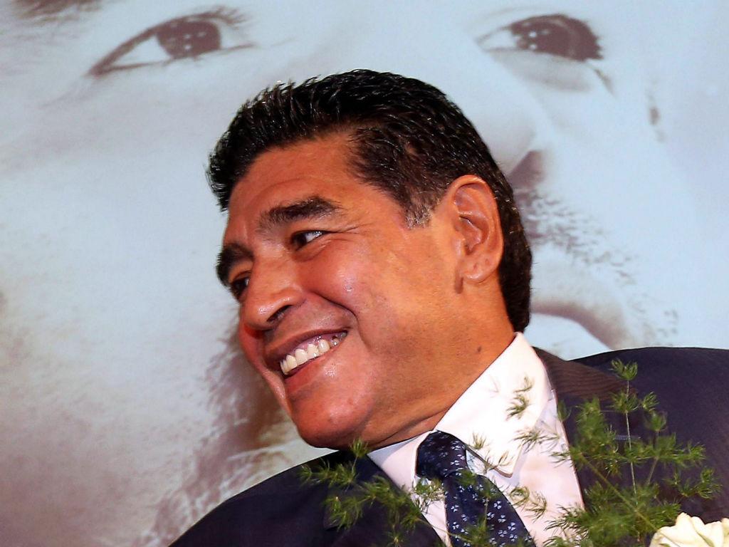 Maradona apresenta filme biográfico em Milão (EPA)
