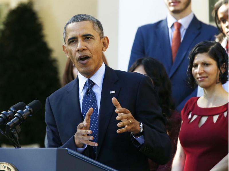 Barack Obama interrompe discurso para evitar desmaio (Reuters)