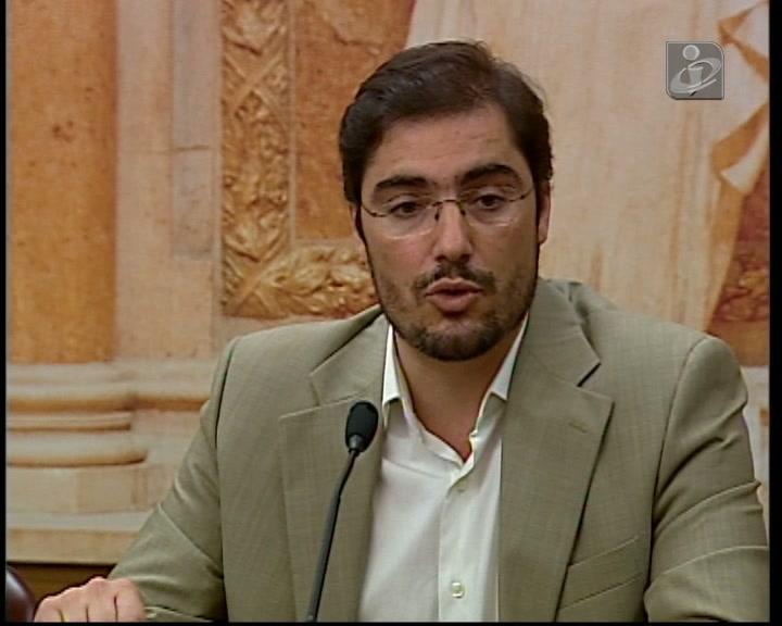 PCP propõe reduzir despesa do Estado até 8.6 mil ME