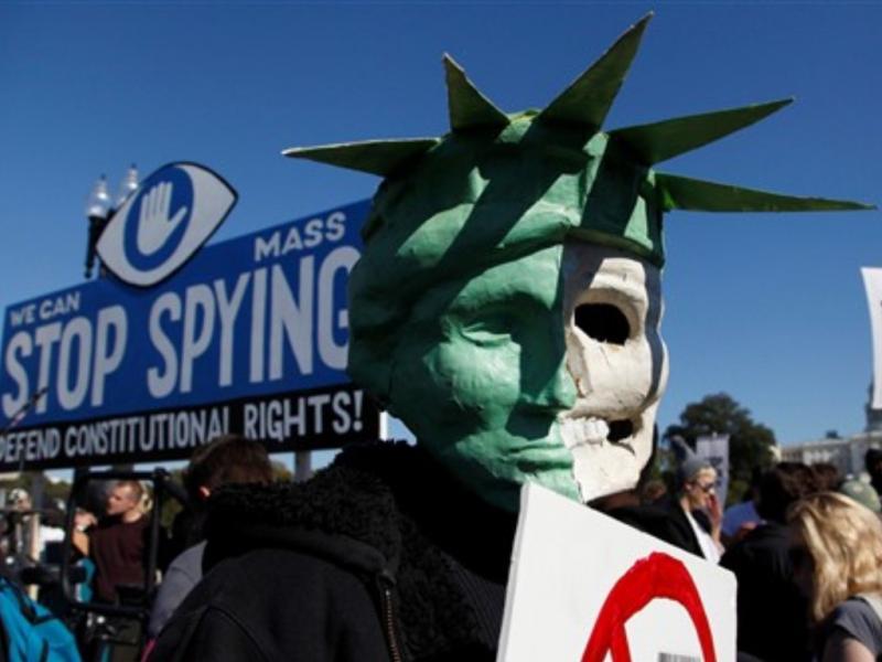Manifestação em Washington pelo fim da «espionagem em massa» (REUTERS/Jonathan Ernst)