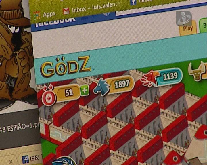 Portugueses criam jogo no Facebook