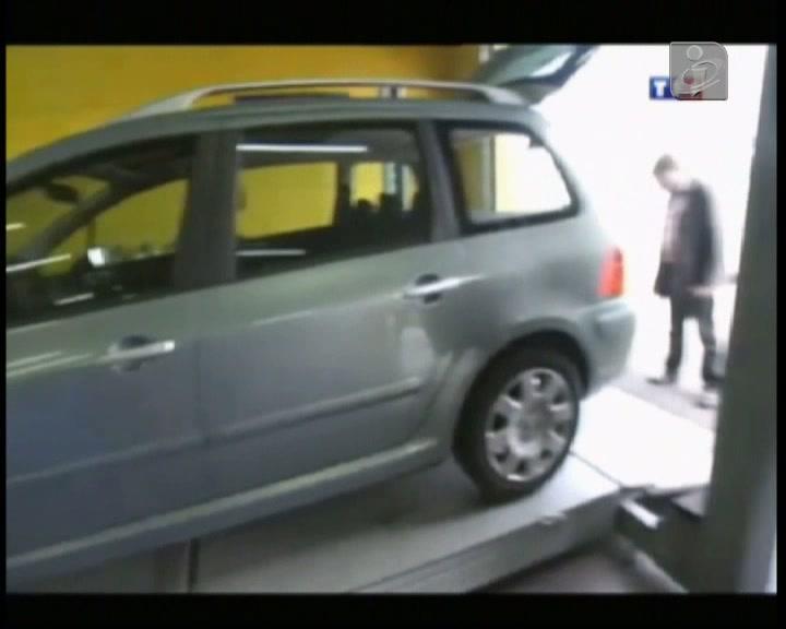 Mecânico encontrou bebé na mala do carro
