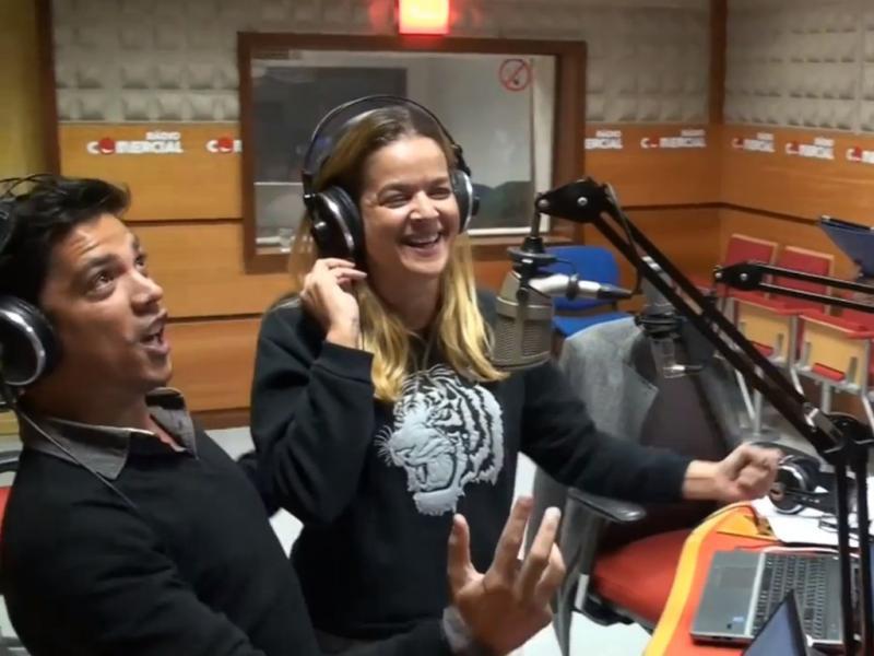 Vasco Palmeirim canta «Eu Tenho Dois Cachorros»