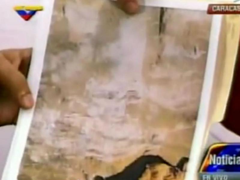 Rosto de Chávez aparece no túnel do metro (Foto Reprodução YouTube)