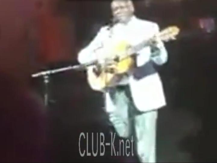 Presidente de Angola a cantar no Clube-K Angola