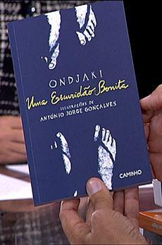 Os livros de Marcelo Rebelo de Sousa «Ondjaki - Uma escuridão bonita»