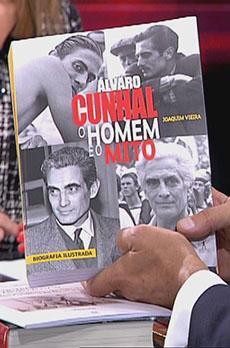Os livros de Marcelo Rebelo de Sousa «Álvaro Cunhal, o homem e o mito»