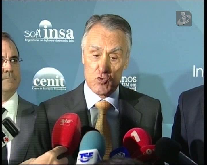 Cavaco insiste na formação de consensos políticos