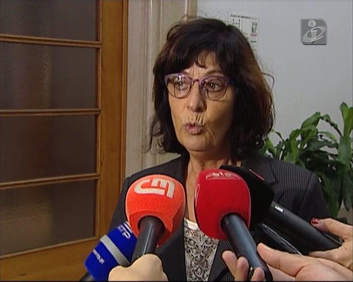 «É um governo com uma atitude igual à de Salazar antes do 25 de Abril»